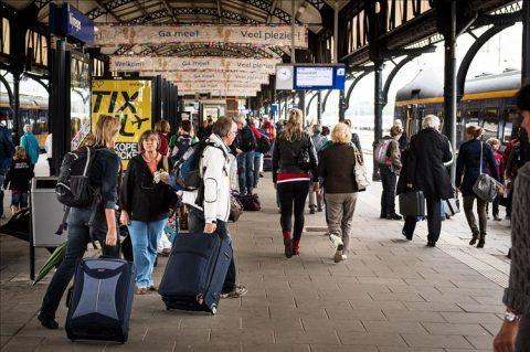 reizigers, station, Nijmegen