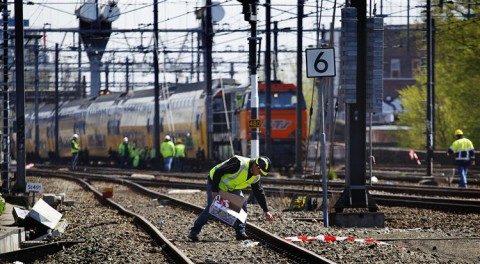opruimen, treinongeluk, Amsterdam, april 2012