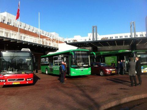 Elektrische bussen, stadhuis Amsterdam