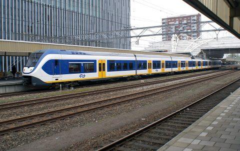 Sprinter, centraal station, Leiden, trein, NS
