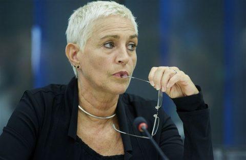 Staatssecretaris Wilma Mansveld, Tweede Kamer, debat