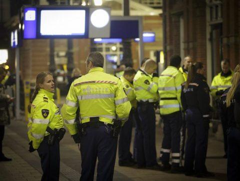 Spoorwegpolitie, station Den Haag Holland Spoor