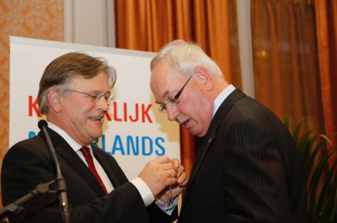 Secretaris-generaal Siebe Rietstra van IenM, Jan Zaaijer, Koninklijke Onderscheiding, foto: Jos Haas
