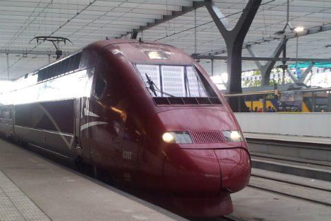 Hogesnelheidstrein Thalys, centraal station Rotterdam