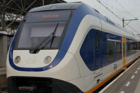 Sprinter, stoptrein, richting Utrecht Centraal