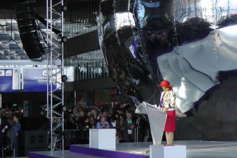 Marion Gout, directeur ProRail, opening Rotterdam CS