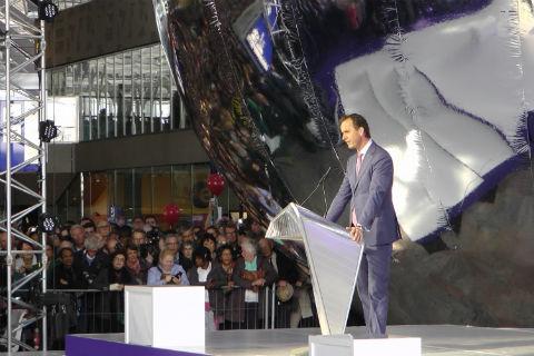 Timo Huges, directeur NS, opening Rotterdam CS