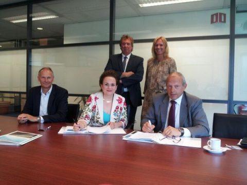 Alexandra van Huffelen, directeur GVB, Wim Kurver, directeur EBS