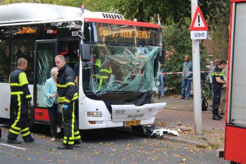 Ongeluk, passagiersbus, HTM, Den Haag