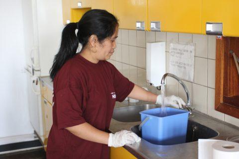Schoonmaakster, HSU Facility