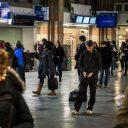 Gestrande reizigers, station Amsterdam Centraal