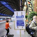 stembureau, trein, station, Amsterdam, NS