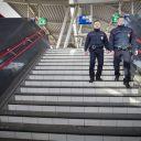Toezichthouders, medewerkers Service en Veiligheid, NS, station Hoofddorp