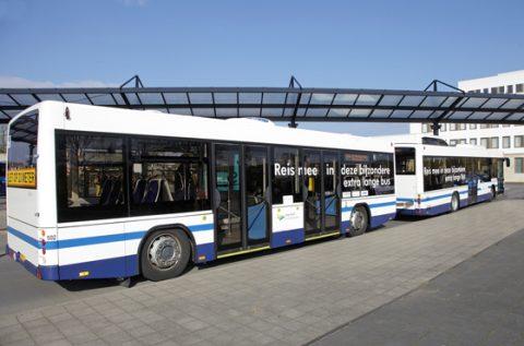 Bus met aanhanger