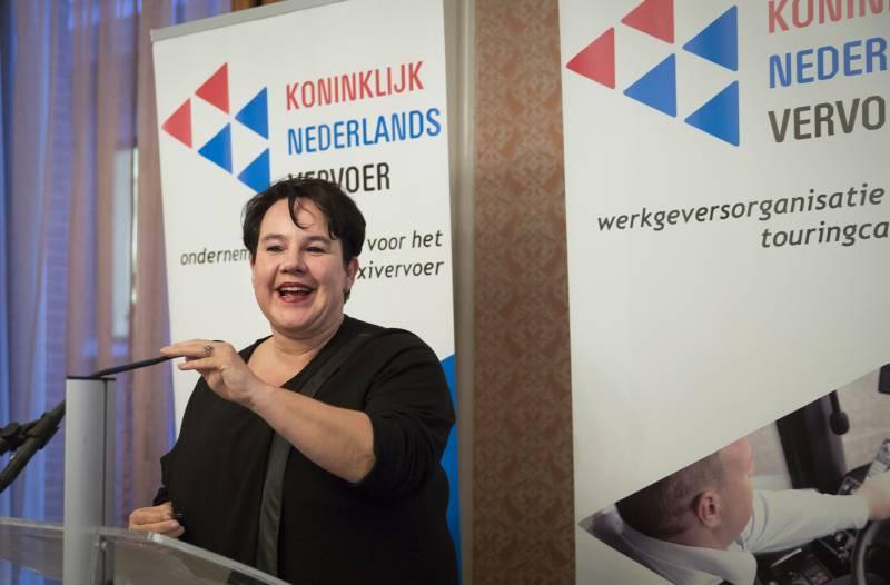 Sharon Dijksma, staatssecretaris Infrastructuur en Milieu, IenM, KNV