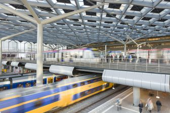 Den Haag CS, sprinter, tram, foto: ProRail/Rob van Esch