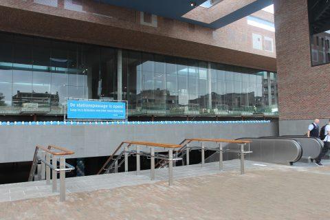 Breda Centraal, trappen, stationshal