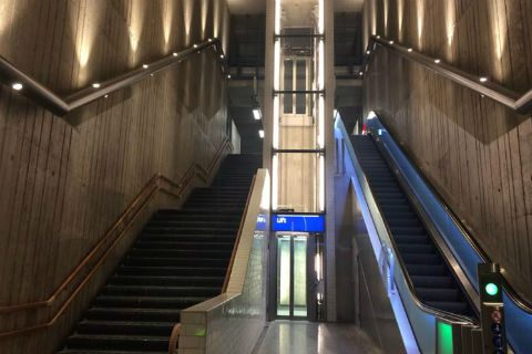 Metrostation Holendrecht in Amsterdam na de verbouwing