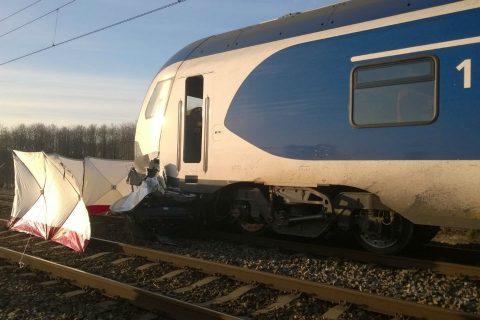 Botsing tussen trein en auto in Nuland