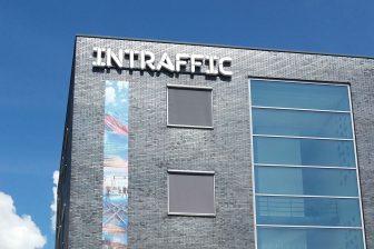 Nieuw InTraffic logo op voorzijde pand