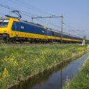 Traxx locomotief met rijtuigen over HSL (bron: NS)