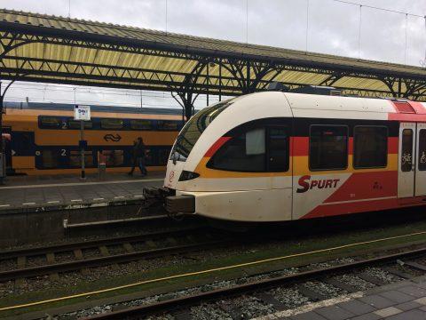 Spurt trein op station Groningen