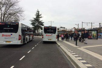 Tijdelijk busstation van Arriva op station Tilburg