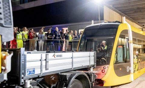 Testrit met tram Uithoflijn door stationsgebied Utrecht
