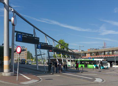 Leiden Centraal_busstation (bron: Wikipedia/Michiel Verbeek)
