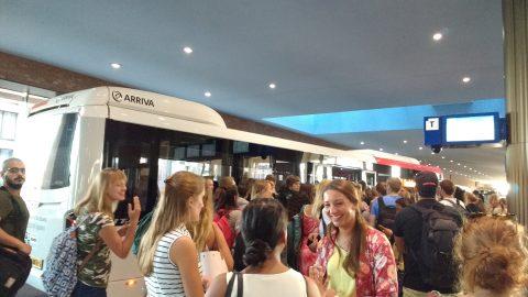 Drukte bij bussen Arriva op Breda
