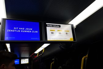 Drukte-indicator, U-OV, scherm in bus