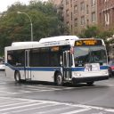 Bus MTA New York(Bron: By AEMoreira042281 - Own work, CC BY-SA 3.0, https://commons.wikimedia.org/w/index.php?curid=7977414)