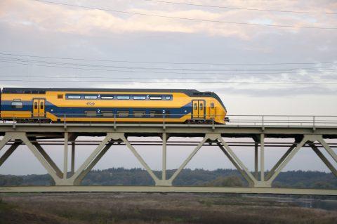 VIRM op spoor (foto: NS)