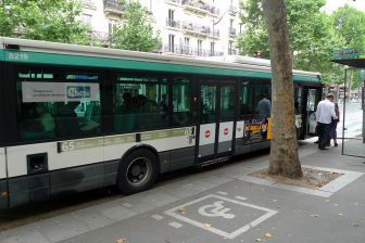 RATP-bus in Parijs (bron: Flickr - Jean-Louis Zimmermann)