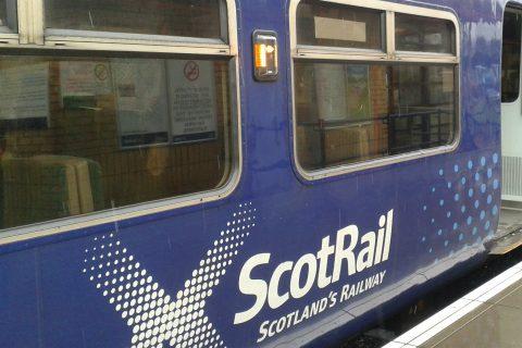 Logo ScotRail op trein