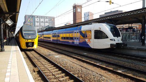 Treinen van Arriva en NS in Nijmegen