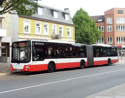 Buslijn 7 in Hamburg (TheAmerikaner - Wikipedia Commons)