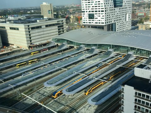 Bovenaanzicht Utrecht Centraal, treinen (foto: NS)