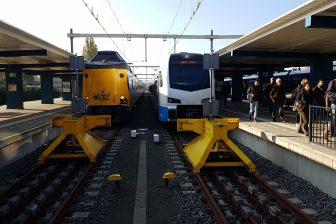Treinen van NS en Keolis in op station