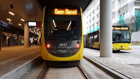 Openbaar vervoer op Utrecht CS, bus en tram