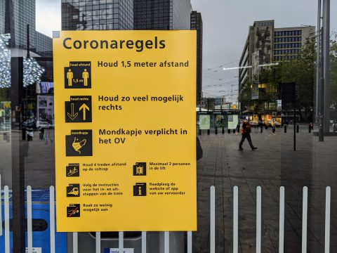 Coronaregels NS op Rotterdam Centraal