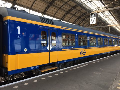 Intercity Direct op Amsterdam CS (bron: NS)