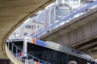 Bus en metro RET bij Zuidplein (bron: Rick Keus)