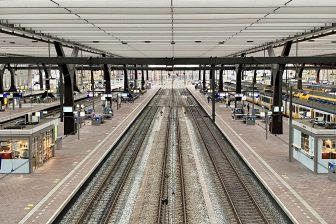 Lege perrons Rotterdam Centraal