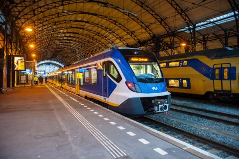 Sprinter Nieuwe Generatie op Amsterdam Centraal (foto: NS)