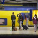 Reizigers station Schiphol (foto: NS)