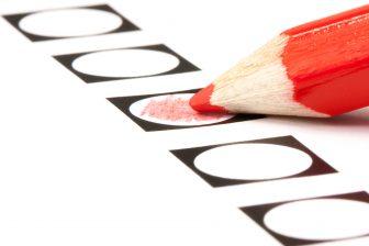 Verkiezingen rood potlood (foto: iStock/IJdema)